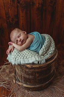 liebevolle-babyfotos-in Dresden-natürliche Bilder-babyfotograf-sachsen (23).jpg