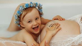 So schön kann ein Babybauchshooting in der Badewanne in Dresden sein