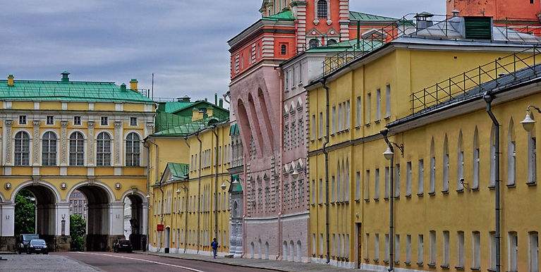 Amusement Palace In The Moscow Kremlin_e