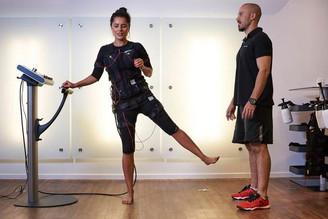 Treino com exercícios e choques elétricos vira febre fitness