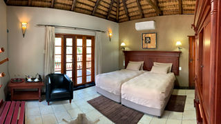 Group/Family Lodge: Ensuite Room with Balcony