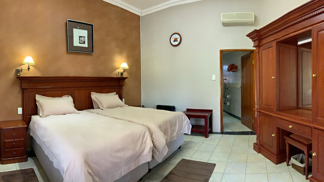 Group/Family Lodge: Ensuite Room, No Balcony
