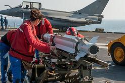 La Direction générale de l'armement (DGA) a prononcé le 31 octobre 2018 la qualification du nouveau standard F3-R du Rafale, conformément aux objectifs fixés lors de la notification du marché début 2014 à Dassault Aviation, Thales, MBDA et Safran.