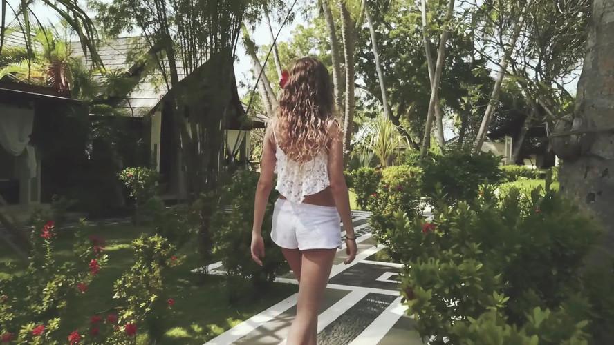 Holiday Island.mp4