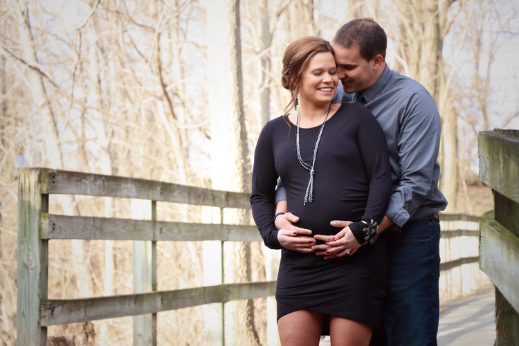 Maternity Pictures, Tapawingo Park, Lafayette Indiana
