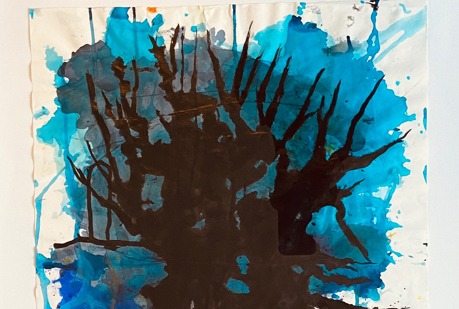 Grand arbre bleu