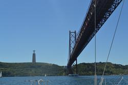 lisbon bridge by harfang