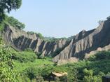 月世界的學名|泥岩惡地形。高雄田寮