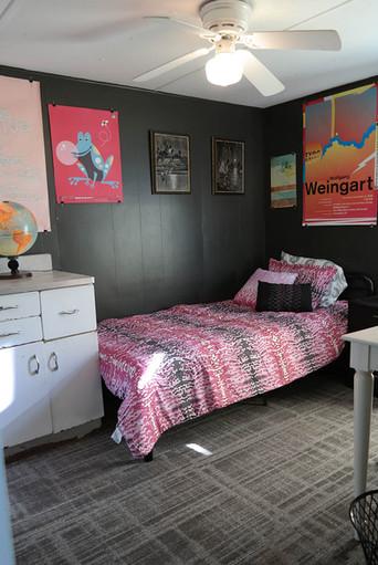 605 single room