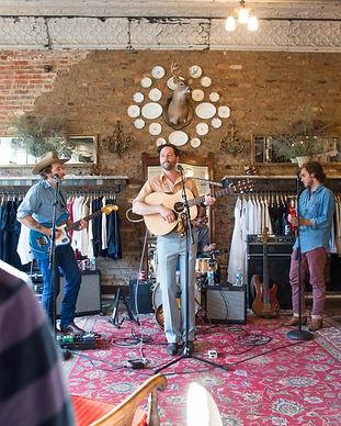 Musicians-in-Store2_f203a4f133fb1910e32c