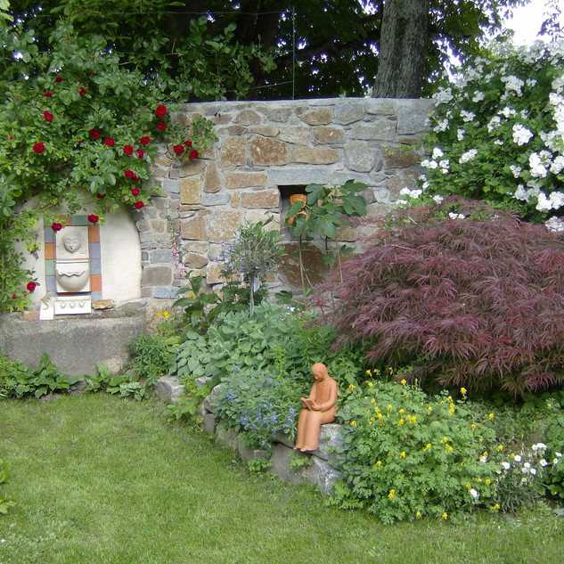 Zauber-Garten mit Skulturen.jpg