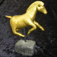 A2_Gold_Pferd.JPG