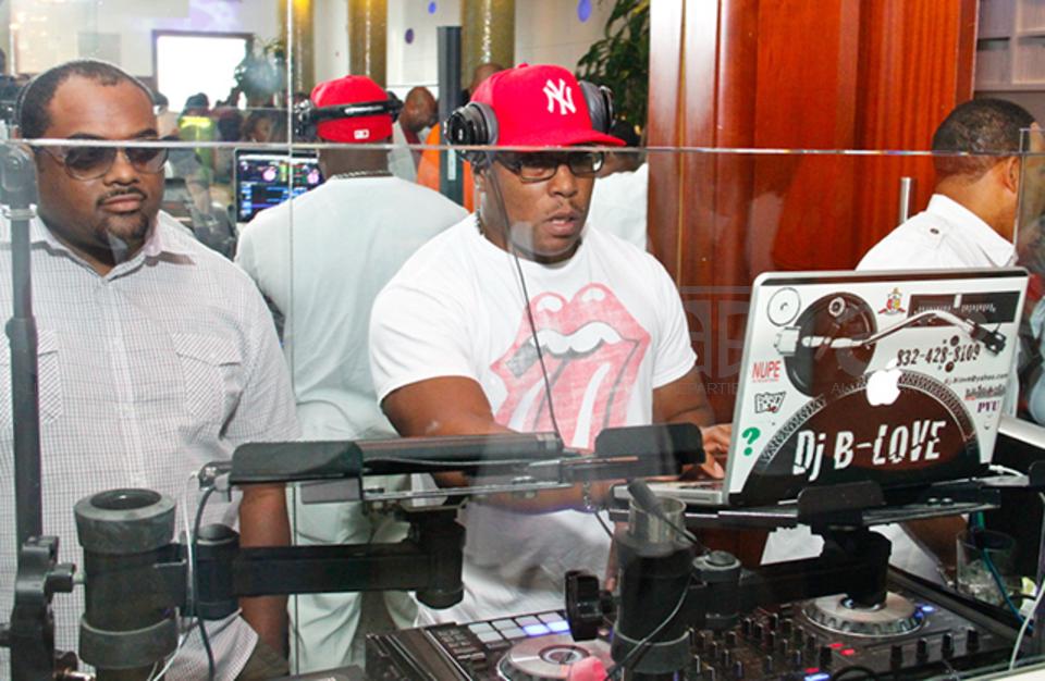 DJ SERVICES/No Speakers
