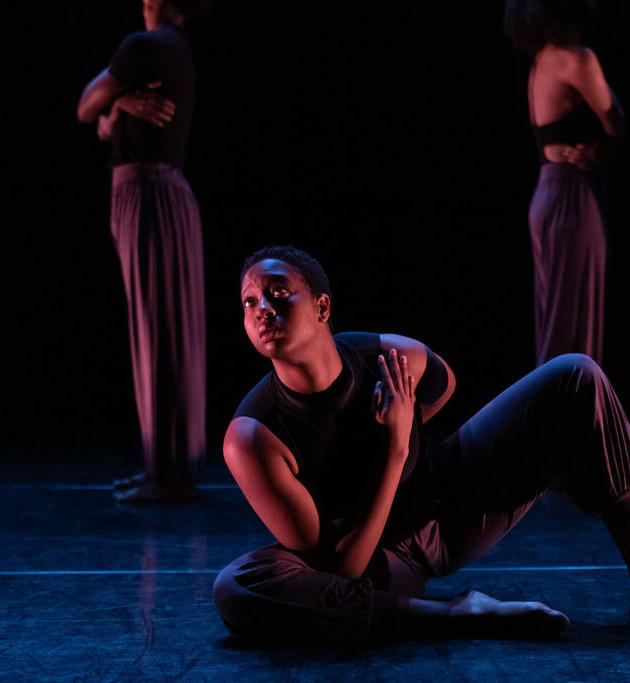 Siani Beckett performing at Dance Place.