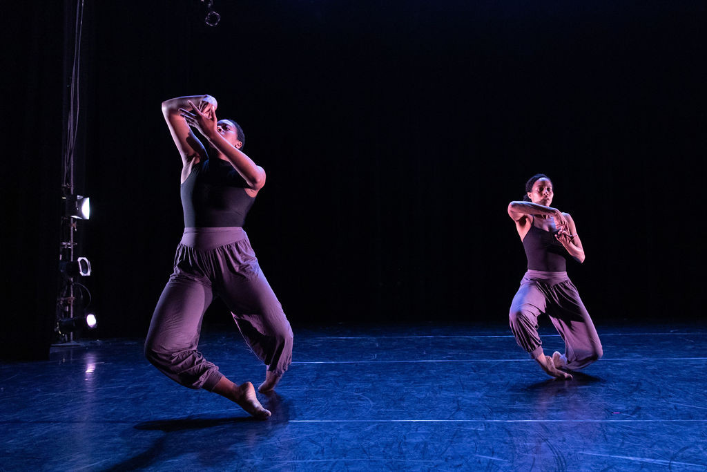 Breathe Dance Project performing at Danc