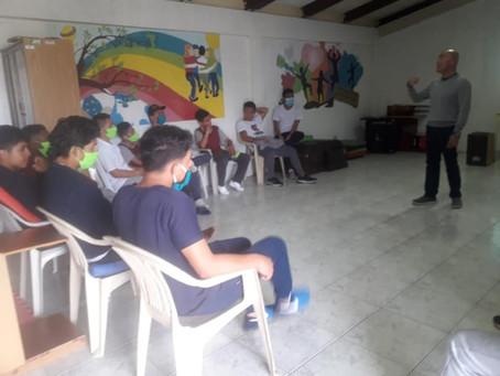 Fedes apoya al Centro de Adolescentes de Loja