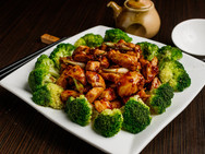 Asian Style Spicy Singapore Chicken Dinner Entrées