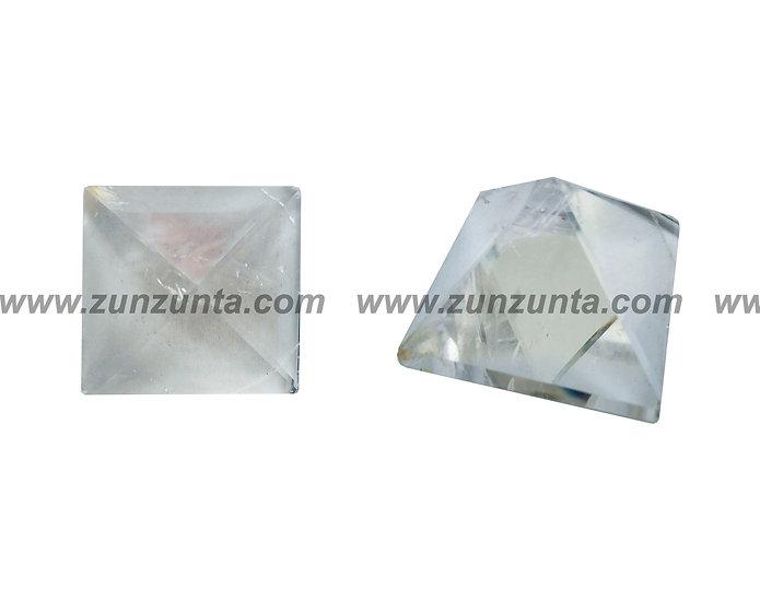 Pirámide de cuarzo transparente