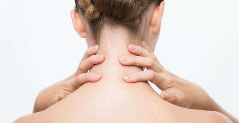 4 exercices pour détendre la nuque et les épaules