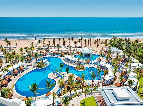 mazatlan-riu-emerald-bay-piscina-2_l_edited.jpg