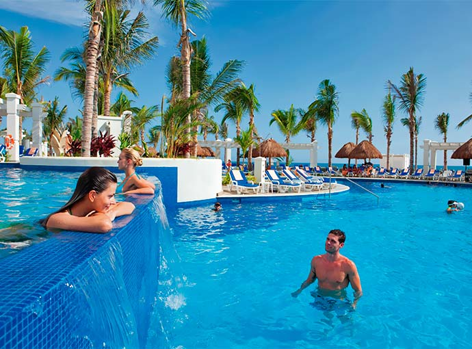 mazatlan-riu-emerald-bay-piscina_l.jpg