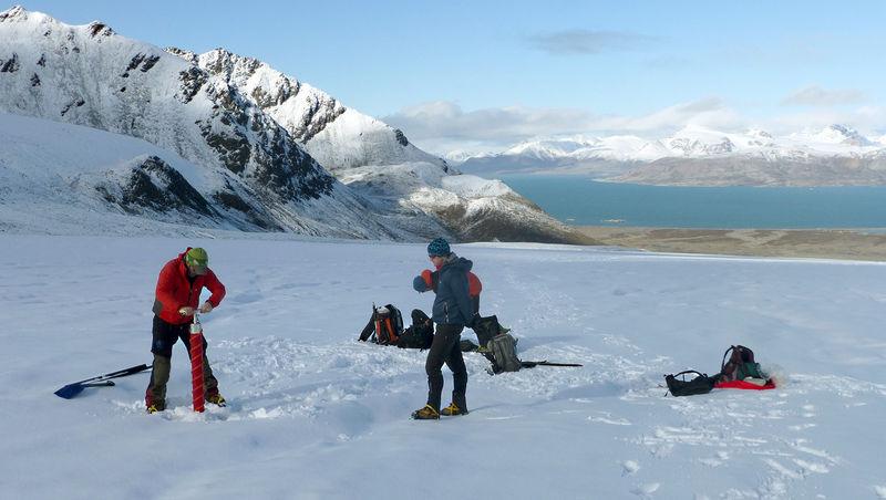 Med glasiologer på Svalbard.
