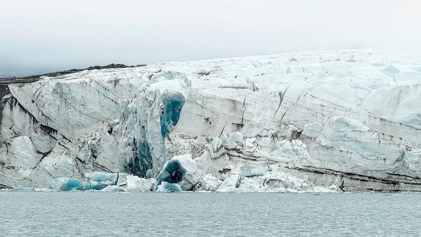 I Kongsfjorden, Svalbard. Foto: Helge Markussen