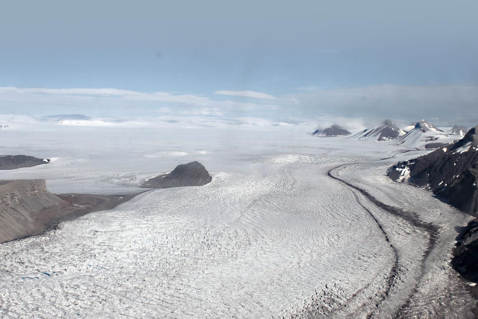På vei til Ny-Ålesund på Svalbard.