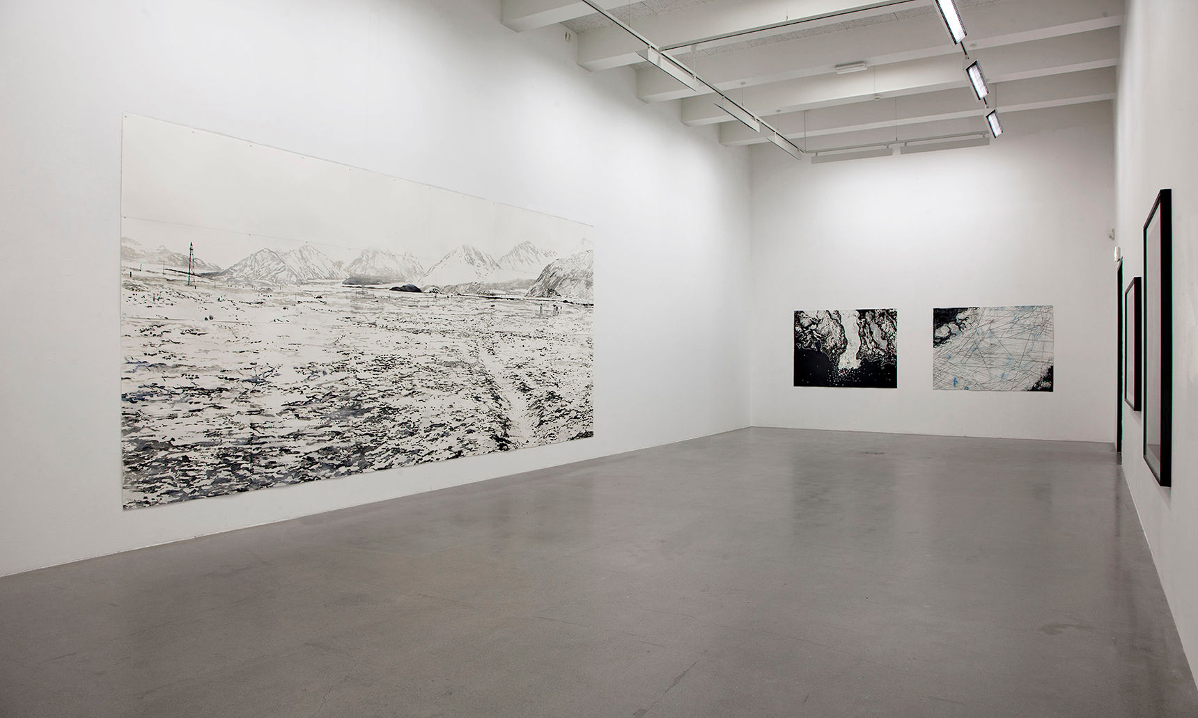 78°55′N 11°56′E in Trafo Kunsthall. Photo: Jens Hamran