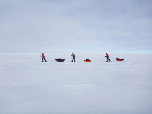 South Pole, Settling In: Expedition Life and Riddles