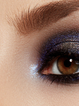 Shimmer on  Blue Eye Shadow