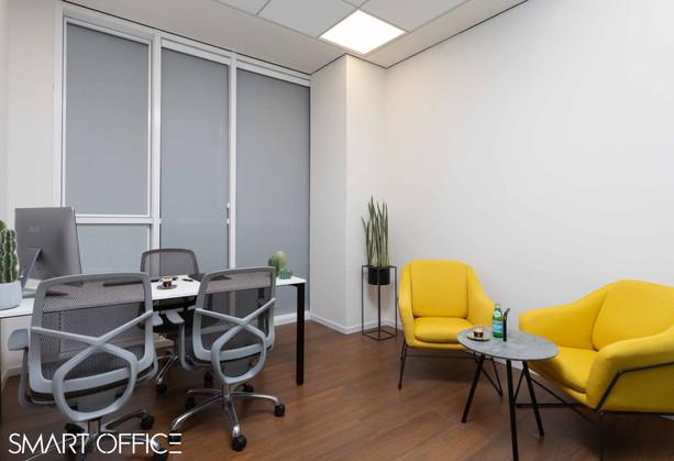 2 עמדות משרד פרטי.jpg