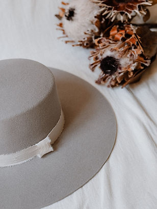 Créatrice de chapeaux HATE YOU à Lyon