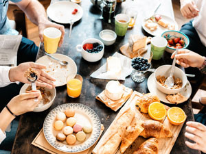 4 Tips for Healthy Eating Outside of Your Home