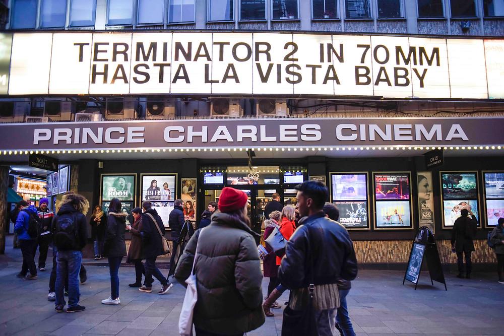 PRINCE CHARLES CINEMAの入り口