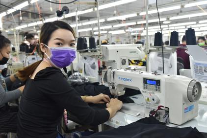 Laos_Tiavang_garment factory.JPG