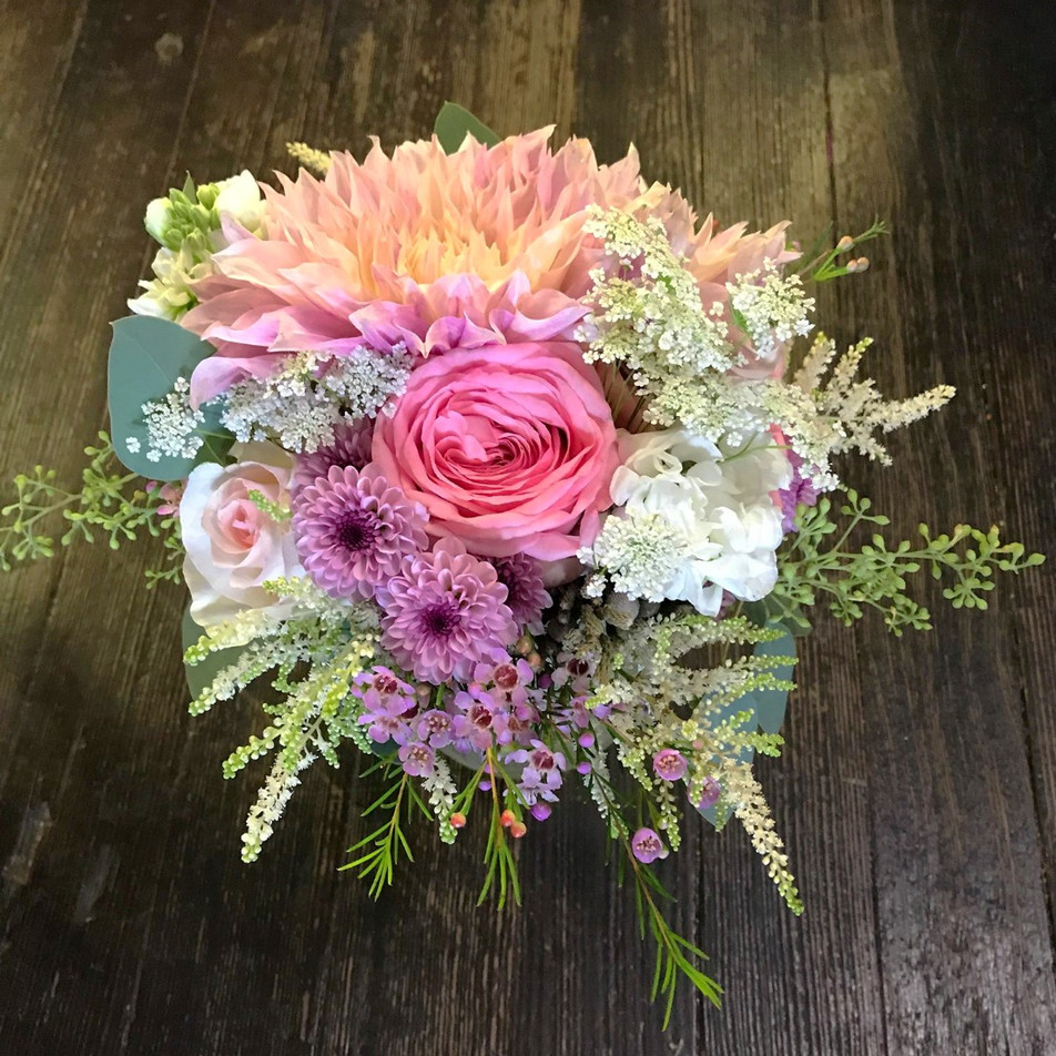 soft spring bridesmaid bouquet