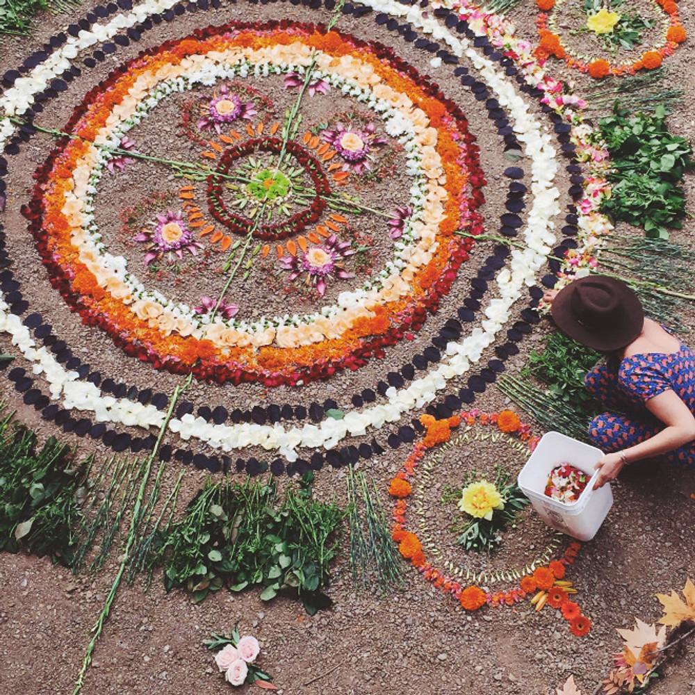 Alea Joy making her Mandala Magic at Spiritweavers