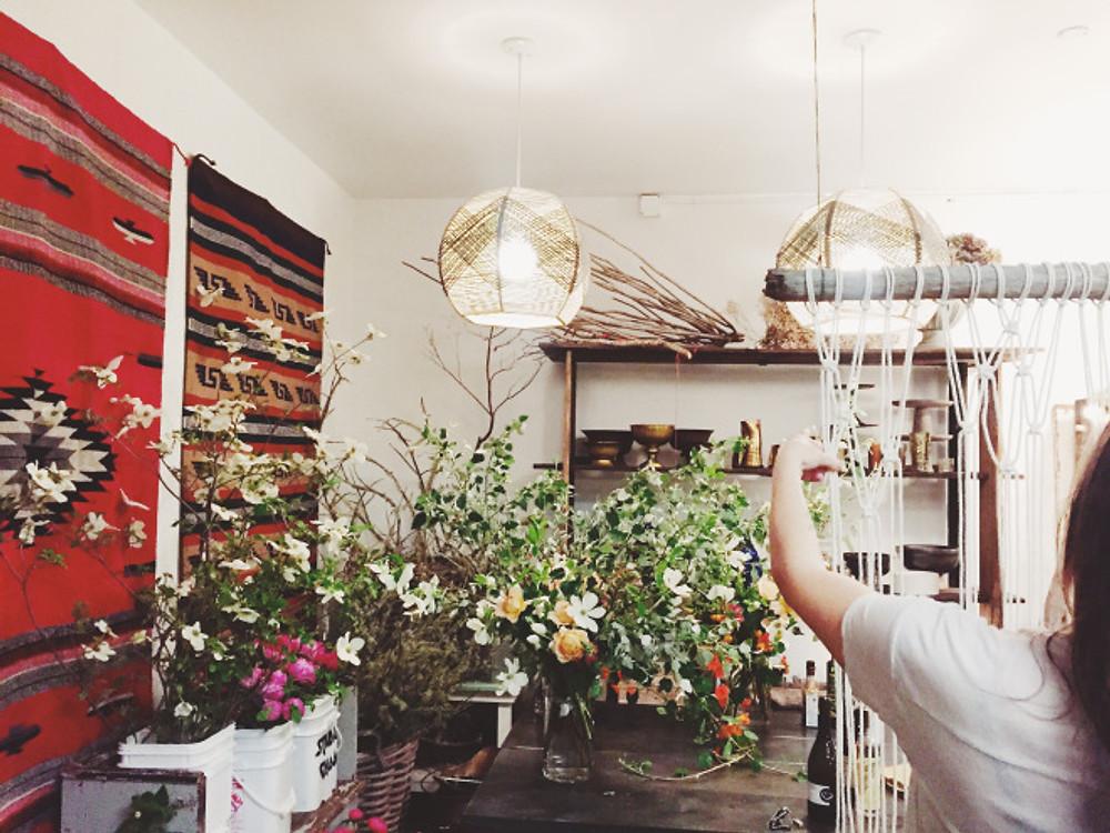 flower and macrame workshop at  Studio Choo