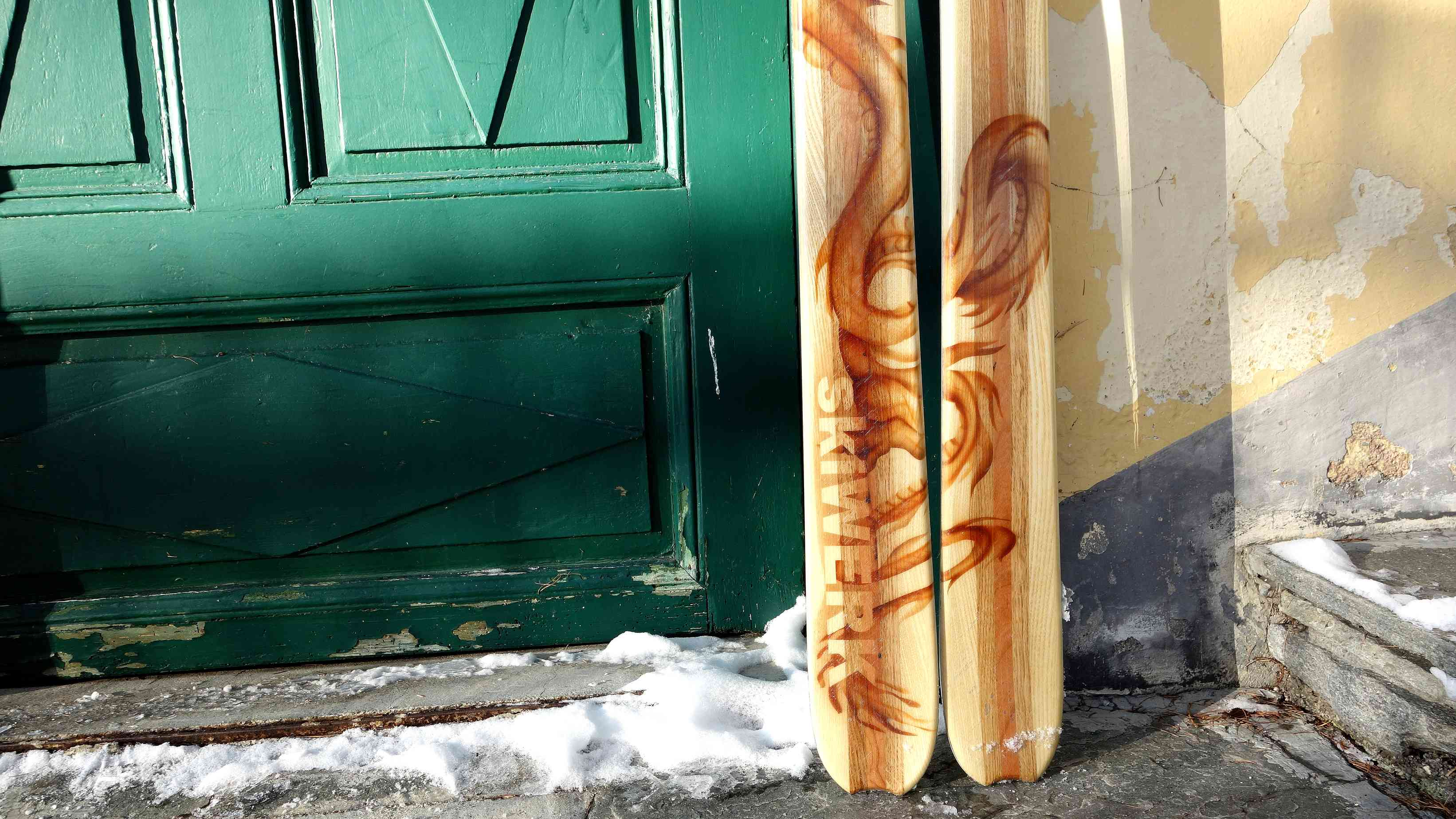 Airbrush on Ski