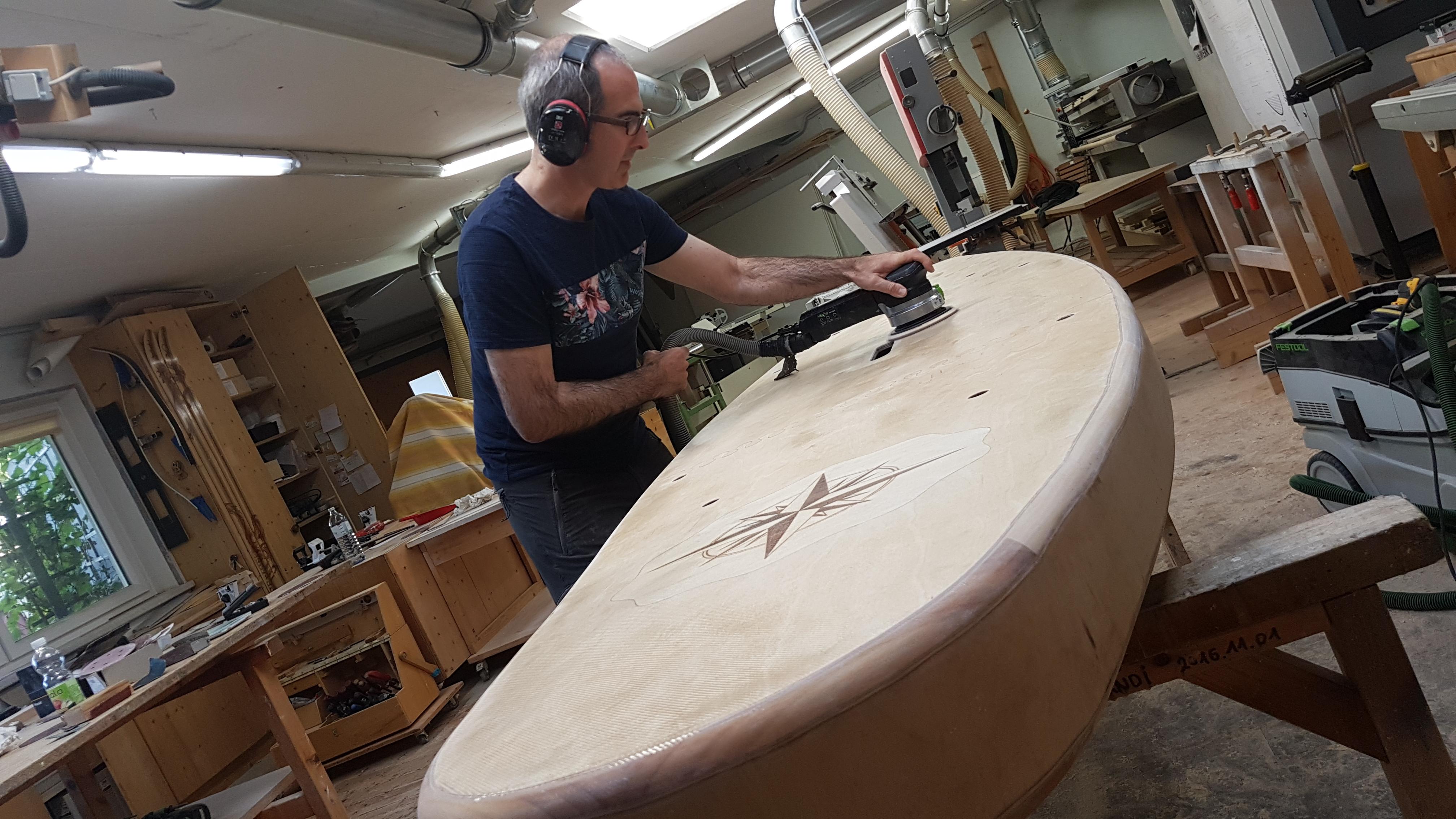 Paddleboard Oberfläche schleifen