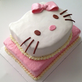 Lunas Hello Kitty Torte
