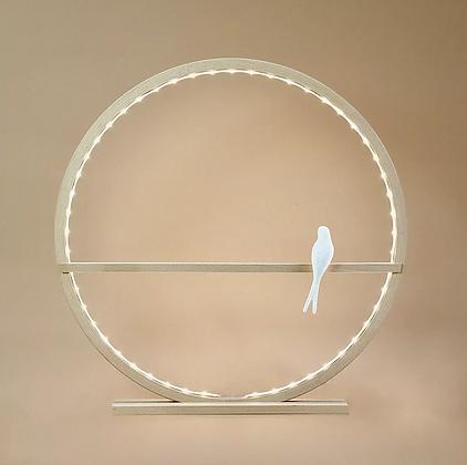 Lampe cercle en bois  personnalisable et hirondelle en porcelaine