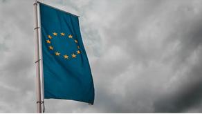 União Europeia retira EUA da lista de países seguros e recomenda restrições de entrada para turistas