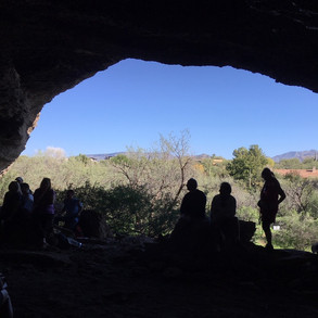 Guided tour at the Cave of Cave Creek