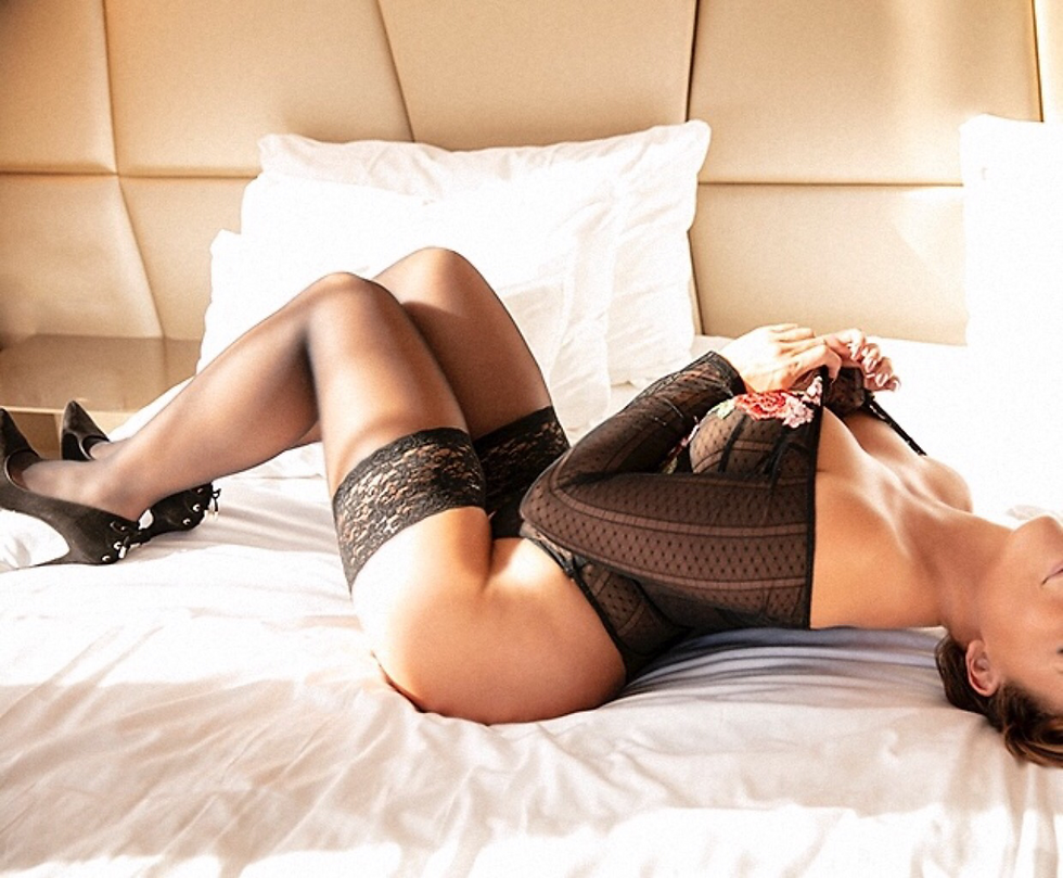 high class escort playmate Liza Amsterda