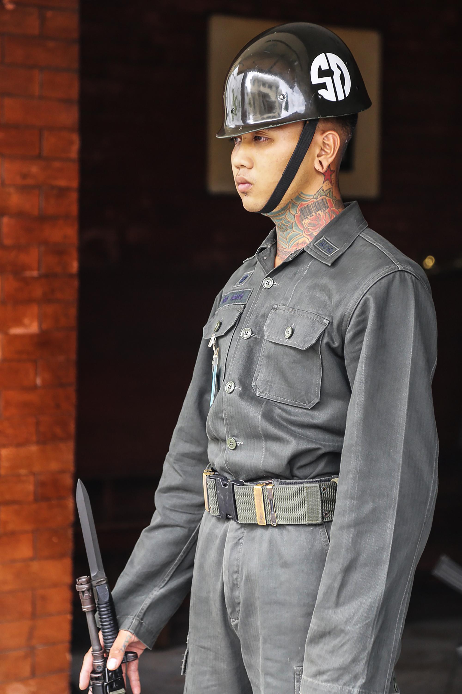 guardia del palacio real en bangkok