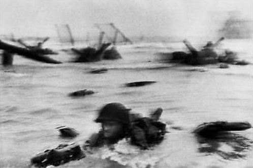 Lo sbarco delle truppe a Omaha Francia © Robert Capa