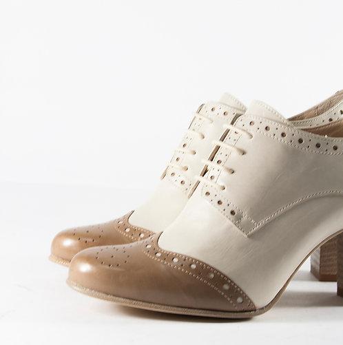 經典中跟雙色牛津雕花鞋