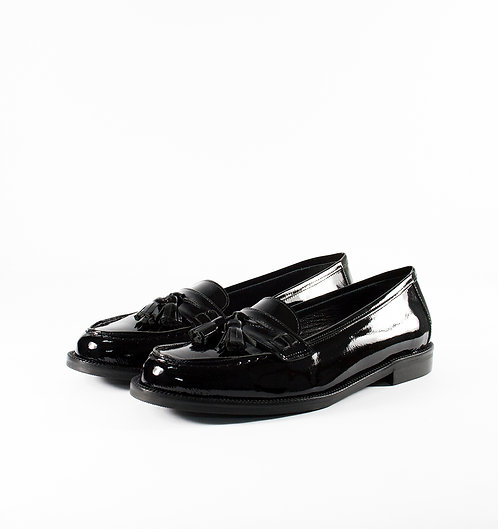 黑色漆皮流蘇樂福鞋